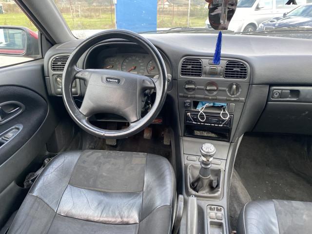 Volvo V40  | 1.8 B | Clima |
