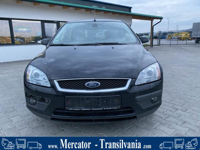 Ford Focus | 2.0 TDCI | Faruri Xenon | Interior Piele |